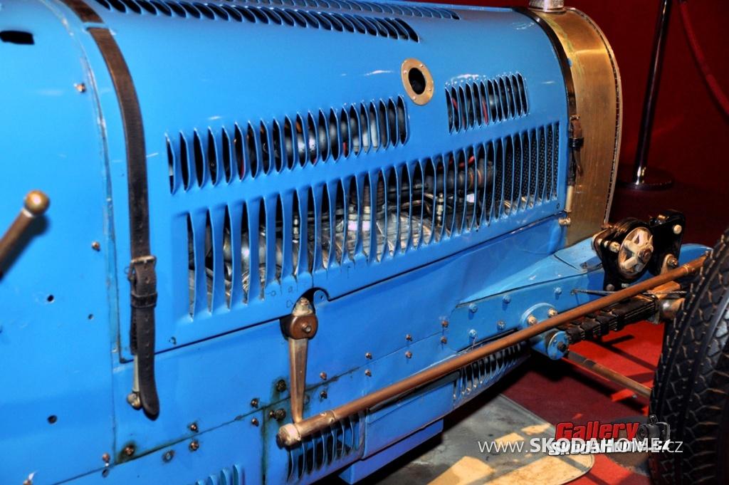 bugatti-ve-francouzskem-mulhause-179.jpg