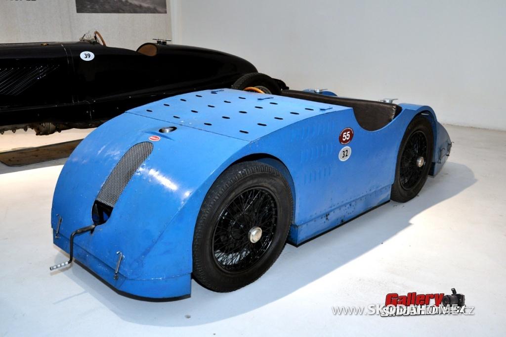 bugatti-ve-francouzskem-mulhause-153.jpg