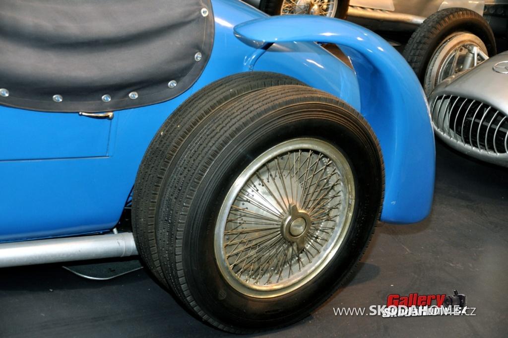 bugatti-ve-francouzskem-mulhause-169.jpg