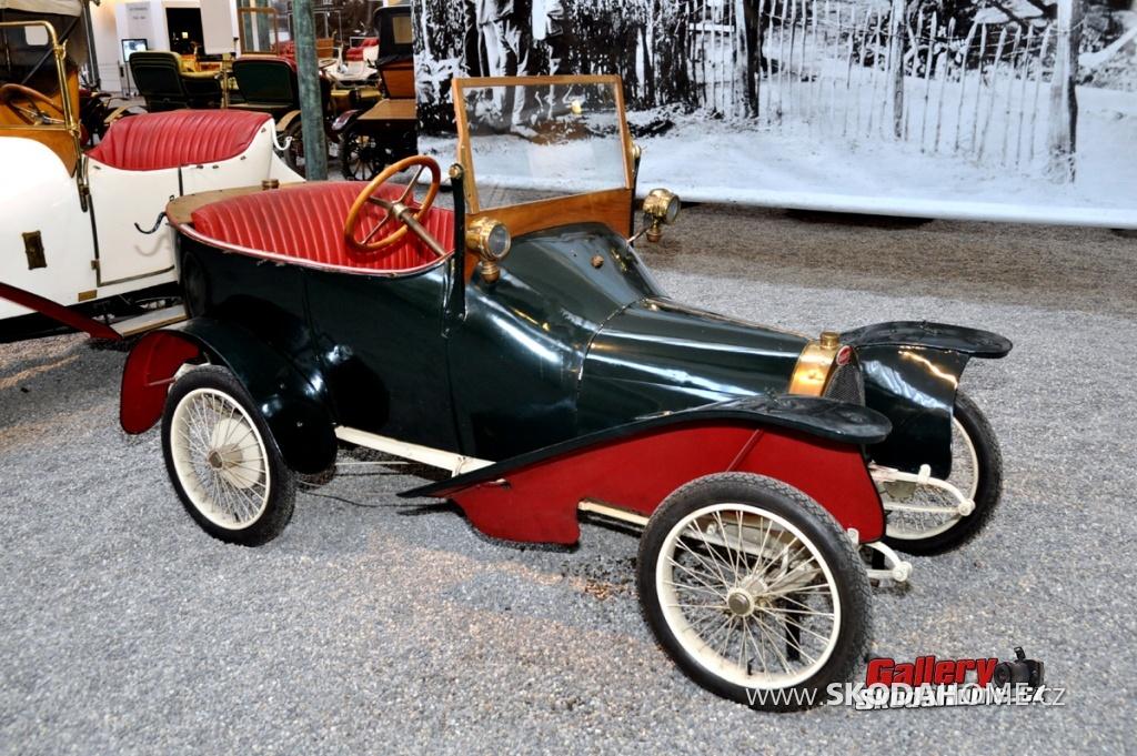 bugatti-ve-francouzskem-mulhause-089.jpg