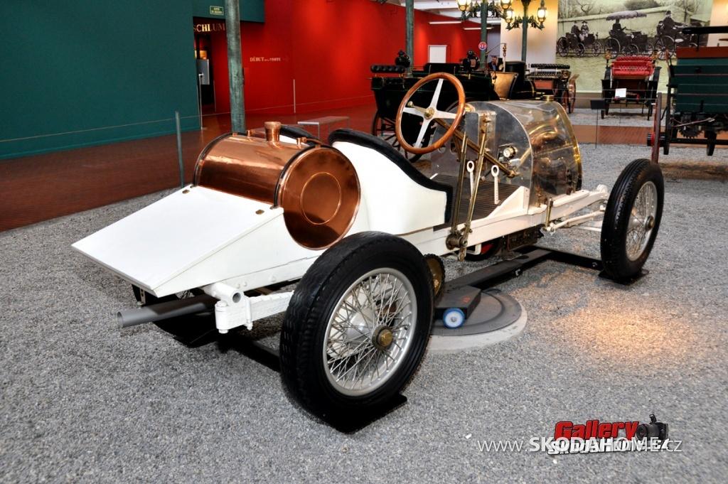 bugatti-ve-francouzskem-mulhause-094.jpg