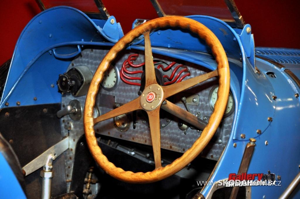 bugatti-ve-francouzskem-mulhause-178.jpg