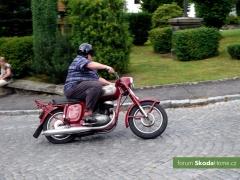 1-jizda-veteranu-do-vrchu-rataj-2011-146.jpg