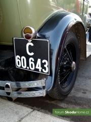 9. Svatováclavská jízda historických vozidel