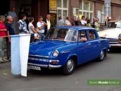 9-Svatovaclavska-jizda-historickych-vozidel-234.jpg