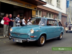 9-Svatovaclavska-jizda-historickych-vozidel-248.jpg