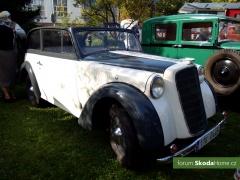9-Svatovaclavska-jizda-historickych-vozidel-228.jpg