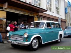 9-Svatovaclavska-jizda-historickych-vozidel-246.jpg