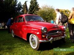 9-Svatovaclavska-jizda-historickych-vozidel-218.jpg