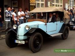 9-Svatovaclavska-jizda-historickych-vozidel-251.jpg