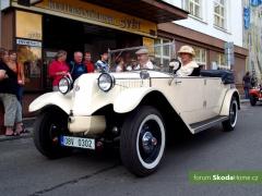 9-Svatovaclavska-jizda-historickych-vozidel-276.jpg