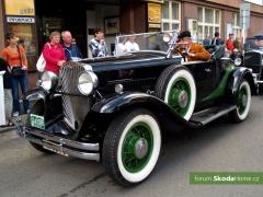 9-Svatovaclavska-jizda-historickych-vozidel-285.jpg