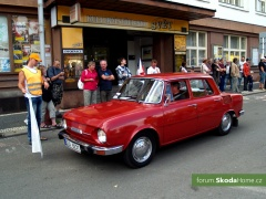 9-Svatovaclavska-jizda-historickych-vozidel-257.jpg