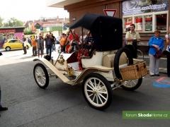 9-Svatovaclavska-jizda-historickych-vozidel-261.jpg