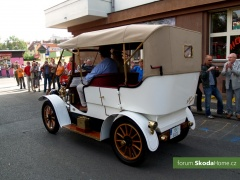 9-Svatovaclavska-jizda-historickych-vozidel-266.jpg