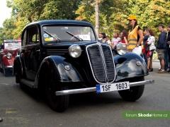 9-Svatovaclavska-jizda-historickych-vozidel-252.jpg