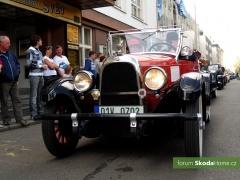 9-Svatovaclavska-jizda-historickych-vozidel-284.jpg