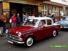 9-Svatovaclavska-jizda-historickych-vozidel-282.jpg