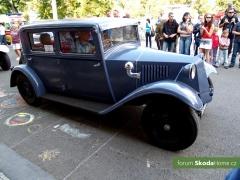 9-Svatovaclavska-jizda-historickych-vozidel-273.jpg