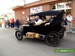 9-Svatovaclavska-jizda-historickych-vozidel-281.jpg