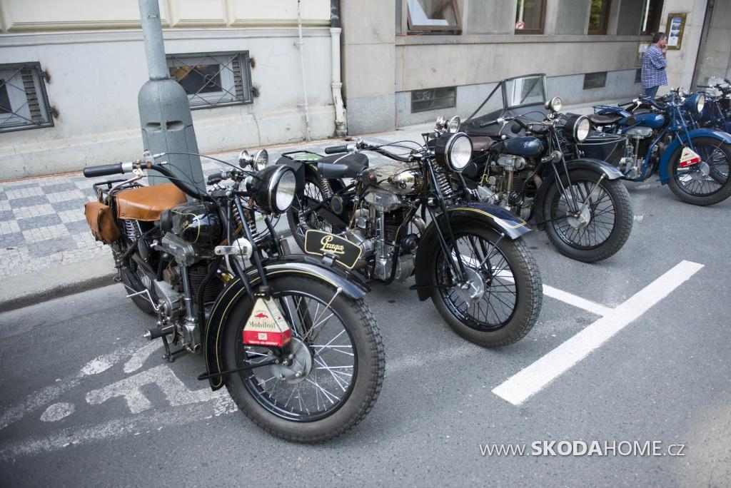 X_Sraz_historických_vozidel_ACR-094.jpg