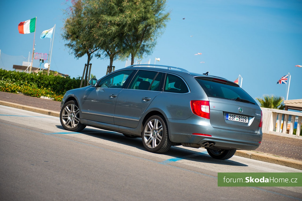 SKODA Superb 2 0TDi 016