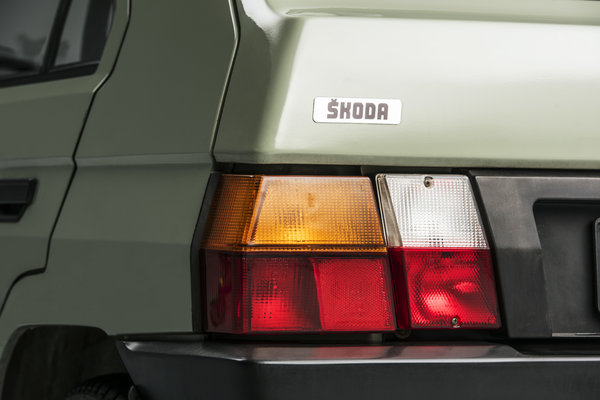 170915-ŠKODA-FAVORIT-Entering-an-era-of-success-30-years-ago-16.jpg
