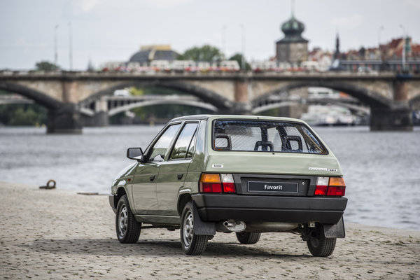 170915-ŠKODA-FAVORIT-Entering-an-era-of-success-30-years-ago-7-2.jpg
