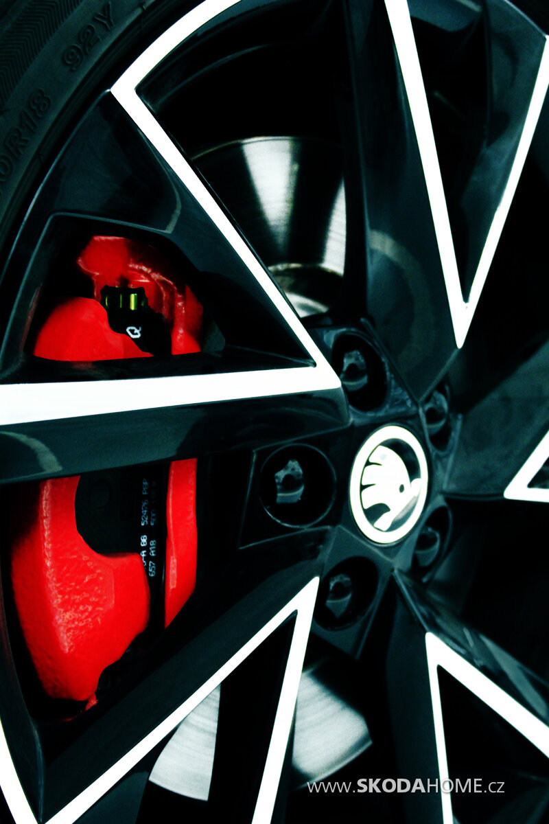 Wheel Detail 001.jpg
