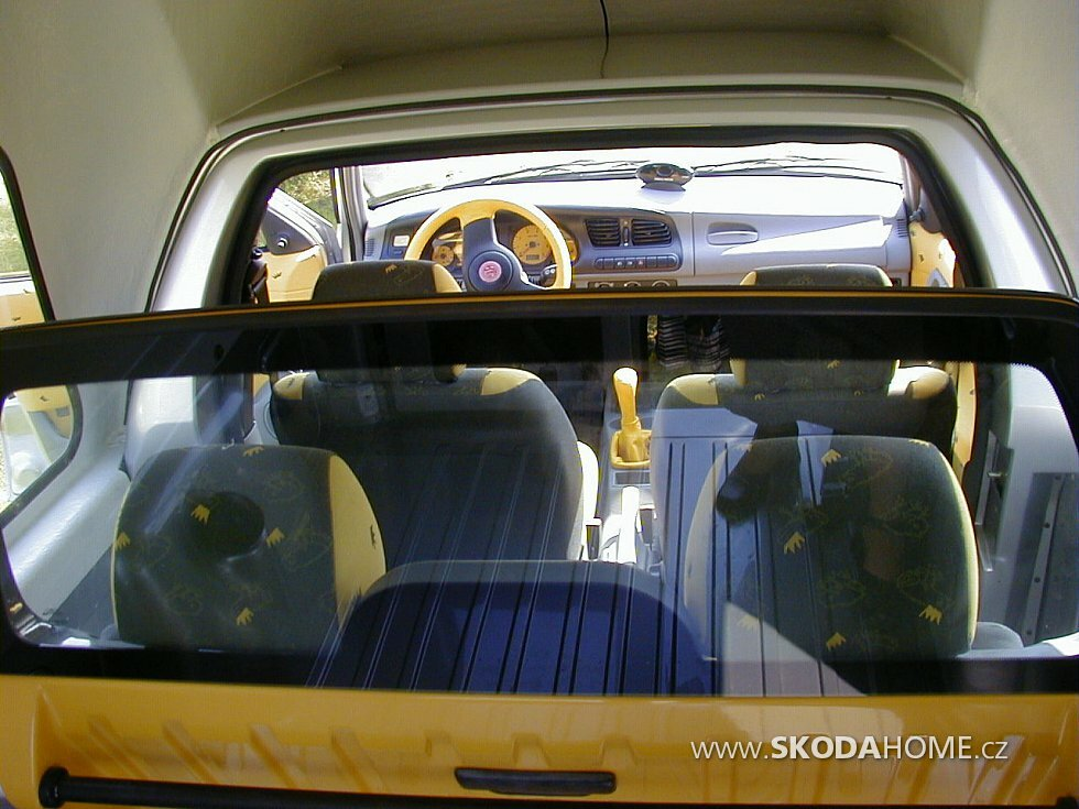 skoda-felicia-pick-up-laureta-interier.jpg