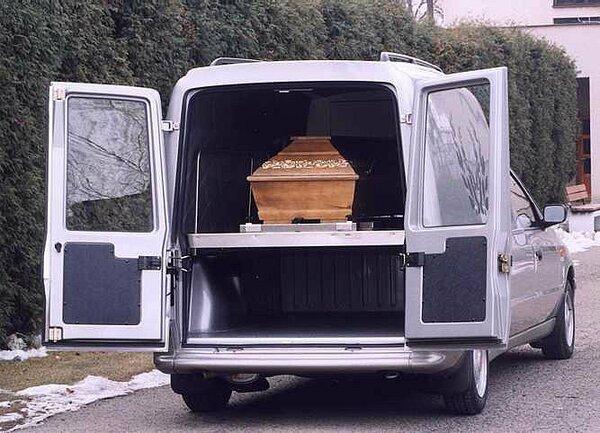 skoda-felicia-pick-up-laureta-pohrebni-2.jpg