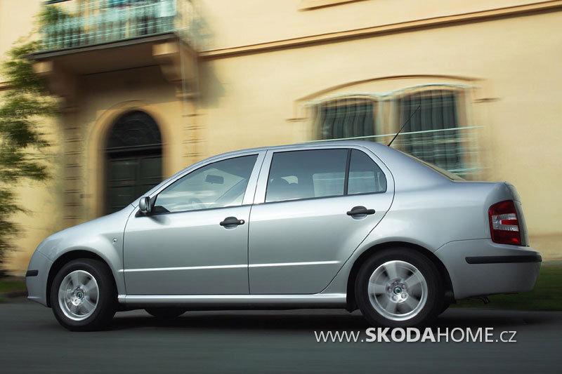 skoda-fabia-sedan_2378_3.jpg