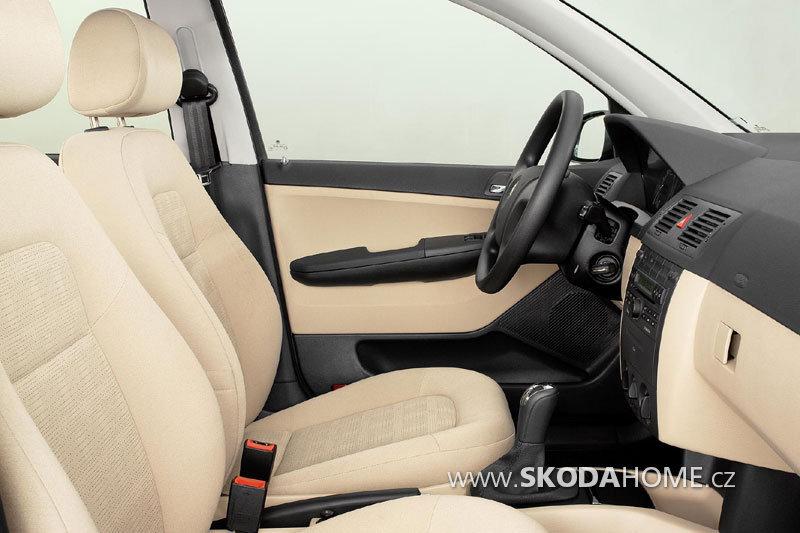 skoda-fabia-sedan_2378_8.jpg