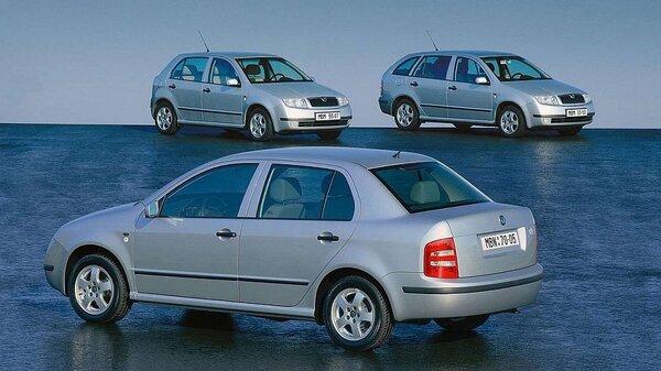 skoda-fabia-sedan-2001-1600-07_galerie-980.jpg
