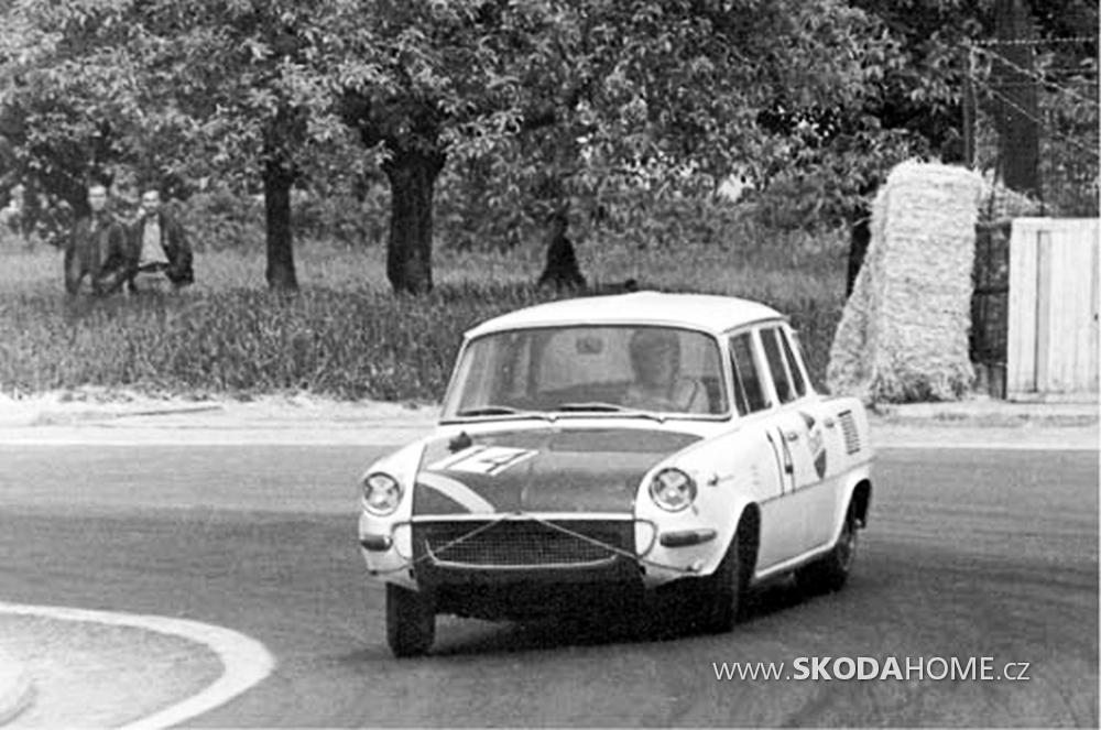 Skoda-1000-MB-B5-05.png